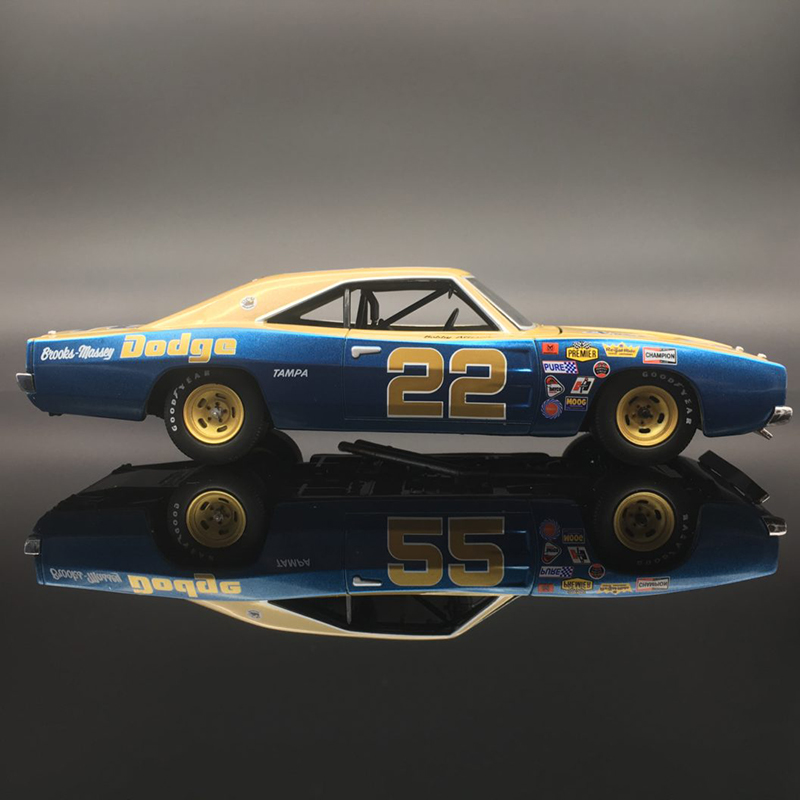Bobby Allison #22 – 1969 Dodge Charger 1:24  Diecast Car.