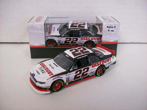 2017 Ryan Blaney #22 Discount Tire 1:64 Diecast Car