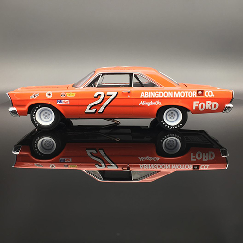 "1965 Cale Yarborough #27 "" AUTOGRAPHED "" Galaxie 1:24 University of Racing Nascar Diecast Car"