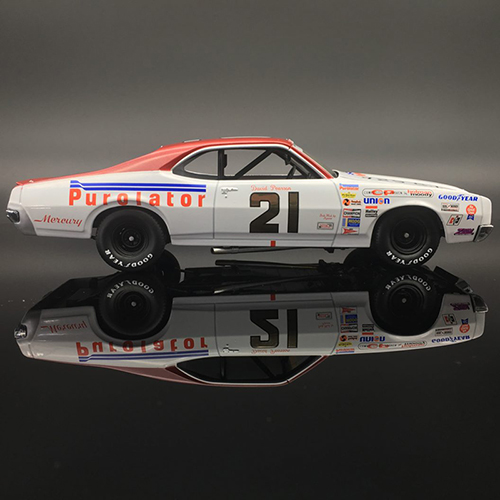 "David Pearson #21 Purolator .""AUTOGRAPHED"" 1971 Mercury Cyclone 1:24  Diecast Car."