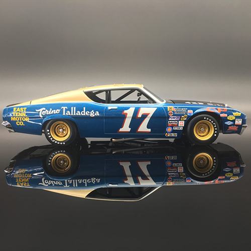 David Pearson East Tenn Motor Co. 1969 Ford Torino Talladega 1:24  Diecast Car.